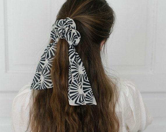 Black and White Scrunchie Scarf/Bow Scrunchie/Scarf Pony/Hair Scarf