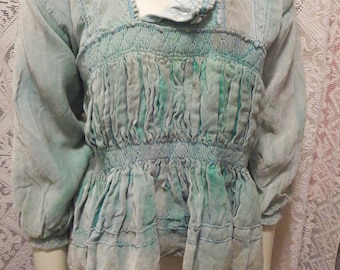 a3b02469031c1 1930s Vintage Altiplano Green Velvet Bolivian Milkmaid Tunic Fine Smocking  As Is 34 Bust