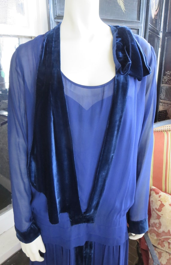 1920s Midnight Blue Silk & Velvet Flapper Day Dres