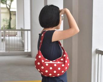The Crescent Bag Pattern | Zippered Curvy Bag Sewing Pattern | PDF Bag Pattern |