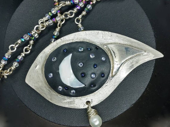 Night's Eye Fine Silver Pearl and Crystal necklace