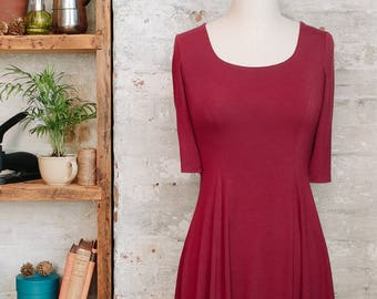 Marion burgundy babydoll dress with short sleeves - flared dress - petite clothing - maroon dress - office dress - sustainable fashion