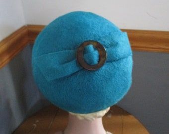 a19501ad4c2 Blue BETMAR Ladies Mystere Imported Fur Vintage Pillbox Hat.