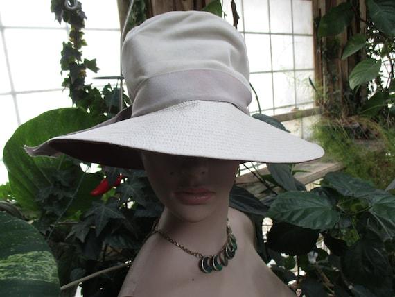 The Vintage Women's Leather & Velvet Bucket Hat  S