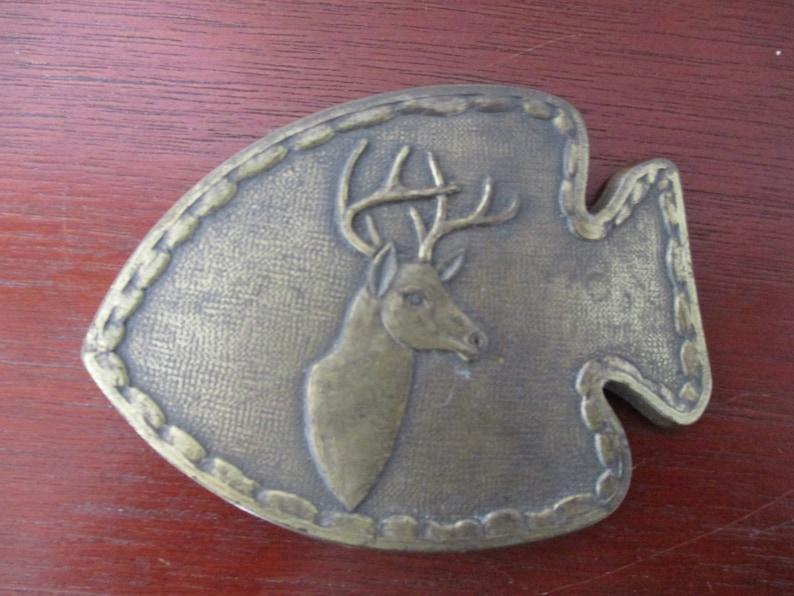 Vintage Arrowhead Shape Belt Buckle with Big Buck ~ Deer Brass Plated Belt Buck-le