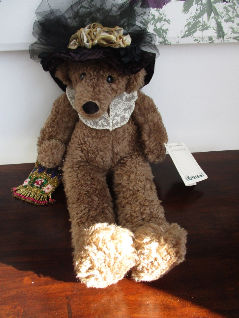 aceac222 Grandma Bear Stuff Toy Hen in the Holly with Hat & Purse..Granny's Here!!!