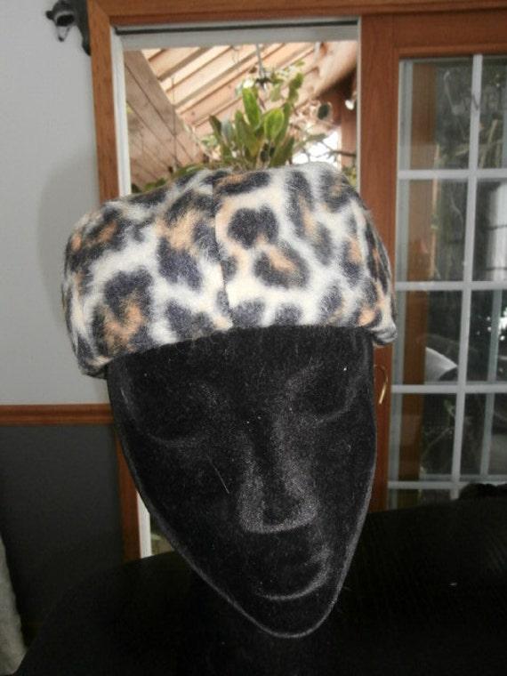 Womens  Hat Leopard  Faux/Fake  Fur Pillbox Quilte