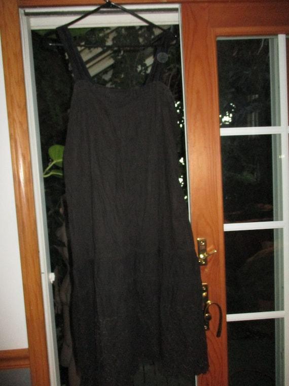 Vintage Circle Slip  Women's Black  Embroidered Co