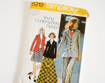 """Vintage 1970s Womens Size 14 Blazer Bias Skirt in Two Lengths Pants Simplicity 5212 Sewing Pattern FACTORY Folds, b36"""" w28"""""""
