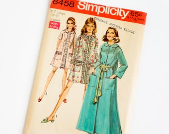 Vintage 1960s Womens Size 40 and 42 Robe in Two Lengths Simplicity Sewing Pattern 8458 FACTORY Folds / b46-48 w38-40.5