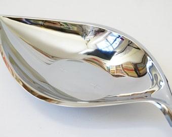Vintage 1950s 60s Riviera Chromeware Leaf Shape Chrome Bowl Etched Starbursts Like-New Japan, Atomic Mid Century Serving Decorative Bowl