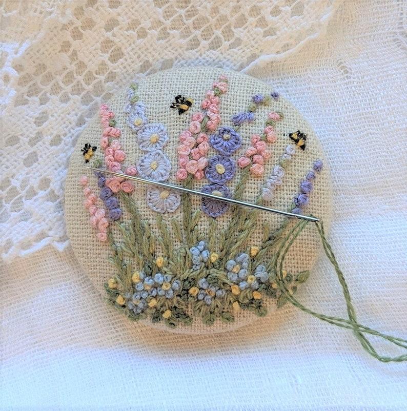 Embroidery kit Floral Needle Minder 2