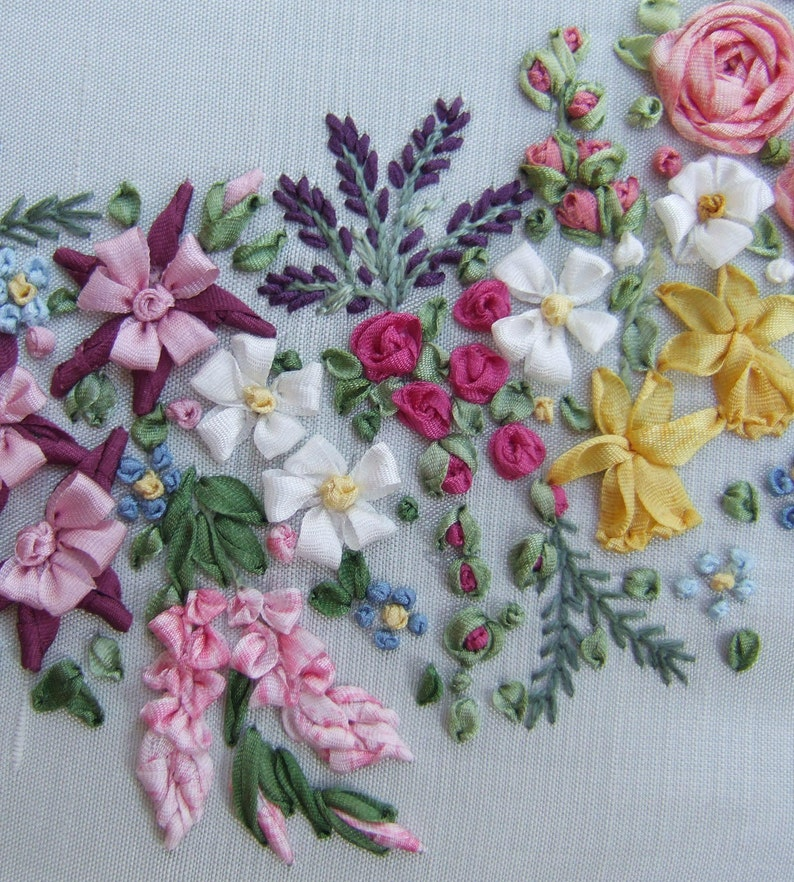 PDF Large Garland - Pattern for silk ribbon embroidery