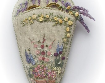 Embroidered Country Gardens Scissorkeeper - Pattern & Print kit