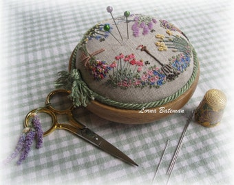 PP01 – Embroidered Country Gardens Pincushion – Full kit