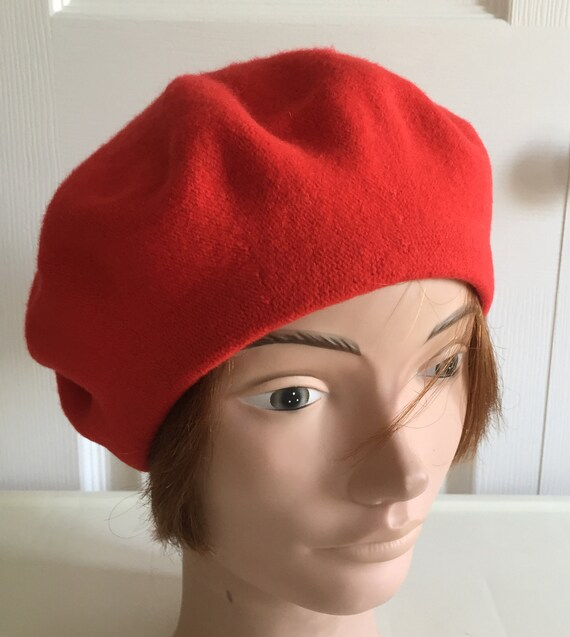 80s Red Wool Beret Women Hat 10.5 Medium Beatnik Look Vintage  6d874c1ad694