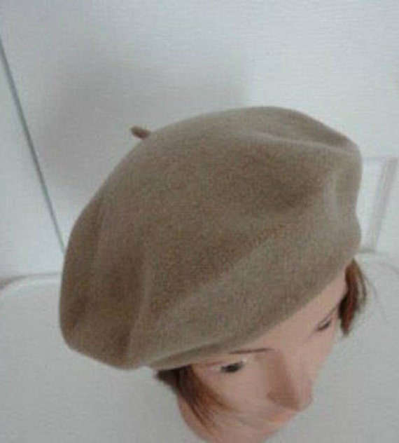 80s Light Brown Wool Beret Women Hat 10.5 Medium Beatnik Look  499992f7be73