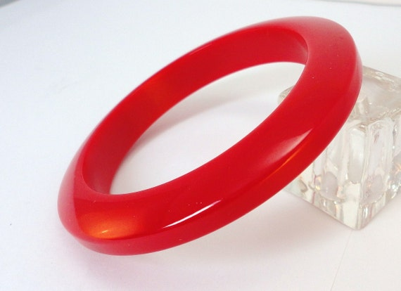 40s  True red bakelite Bangle Bracelet