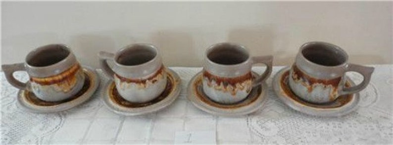 70s 4 CupsSaucers TUNDRA  Lava Lot 8 pces Laurentian Pottery