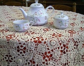 Irish crochet Lace Tablecloth  pattern pdf