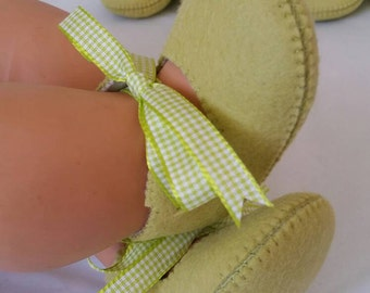 Lime green woolfelt baby shoes