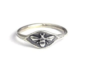 Handmade Bee Signet Ring, Nature Jewelry, Silver Jewelry, Bronze Jewelry