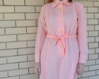 60s peach shirt dress, vintage pastel clothing, 1960s long sleeve dress, Flutterbye cotton size large, pointy collar, tie waist belt