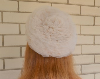 b905699e500cd 60s Cream Tulle Wedding Hat