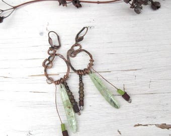 Primitive and bucolic earrings with green cyanite nugget : Nostalgic Accents !!!!!