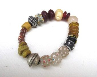 Clandestine Sun: a superb unisex bracelet with ancient Venetian beads, Hebron glass beads, agate ...