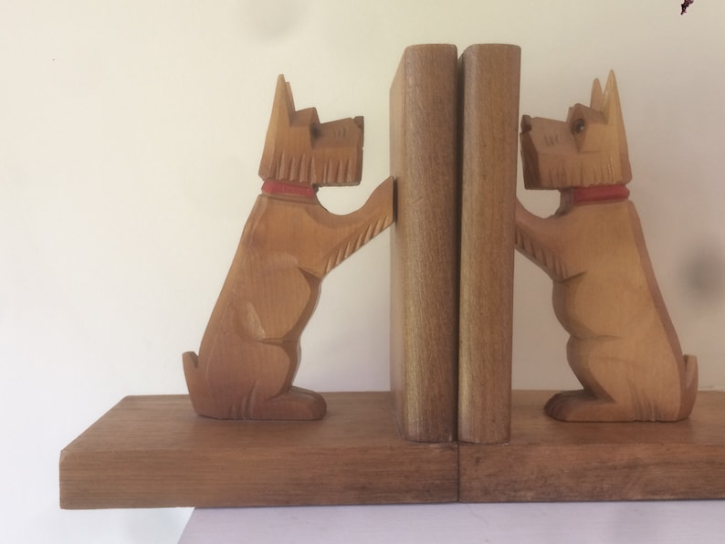 Wooden Dog Bookends, Scottish Terrier, Hand Carved Scottie, Wood Bookends,  Scottie Dog, Vintage
