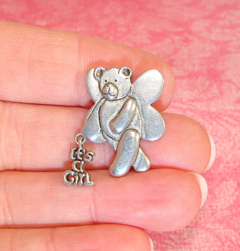 Angel Sitting on Heart 5 Lead Free Antique Silver Tone Pewter Charms