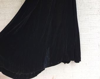db63bc3ebc1d Vintage 60s Long Black VELVET Skirt / Handmade Black Velvet MAXI Skirt /  Flowy Peasant Skirt / Womens Small 24
