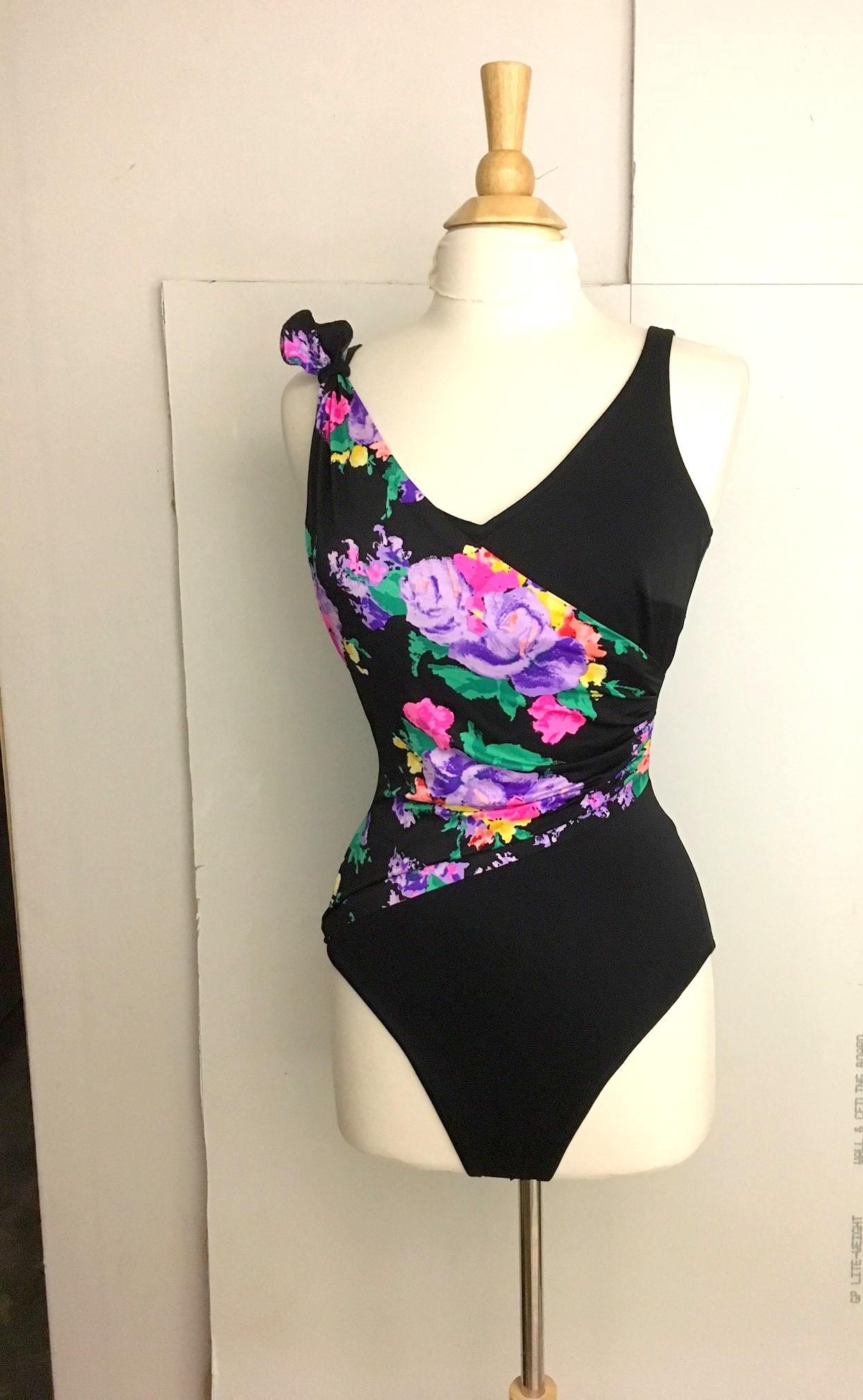 a21c9786db8e9 Vintage BLACK FLORAL Bathing Suit   1980s Roxanne Swimsuit