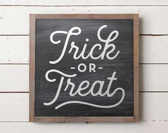 Small Trick or Treat Sign, Halloween Sign, Fall Sign, Farmhouse Autumn Decor, Farmhouse Fall Signs, Fall Decor, Farmhouse Halloween Sign