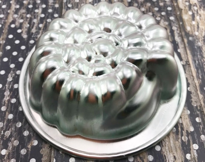 "NAUTILUS Bath Bomb & Baking Mold, Metal, 3 3/4"" wide, Sea, Ocean, Mermaid, Shell, Beach, Two Wild Hares"