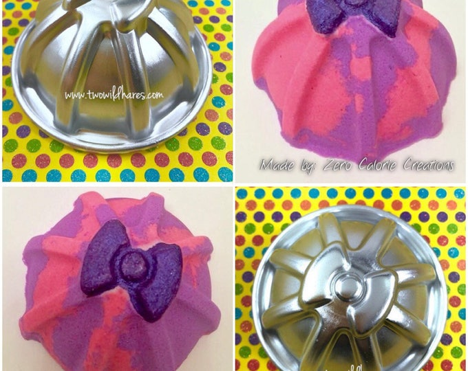 "GIFT WRAPPED with RIBBON Bath Bomb & Baking Mold, Metal, 3D Bow on Top, 2 3/4"", Two Wild Hares"