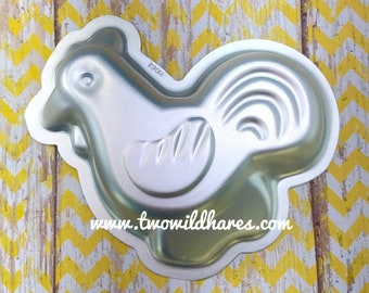 "LITTLE ROOSTER/CHICKEN Bath Bomb & Baking Mold, 4"" L x 2.5"" W, Metal, Farm Animal, Two Wild Hares"