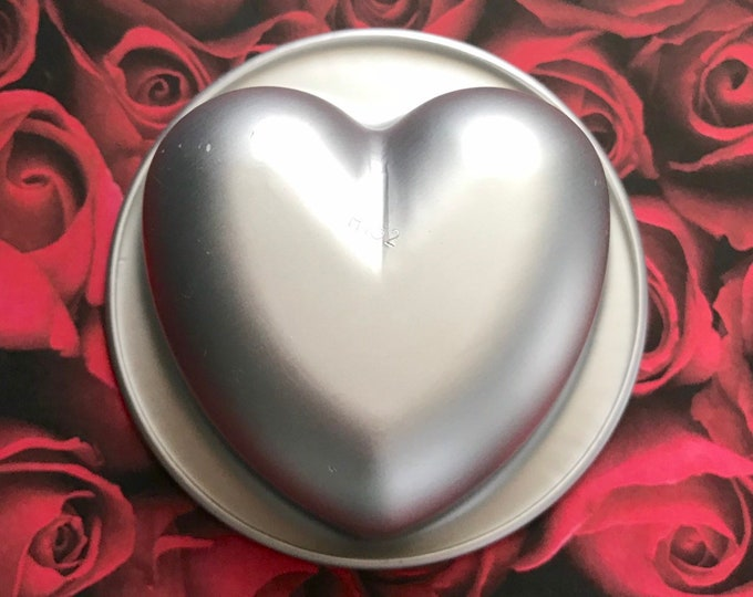 "Lg. PERFECT HEART Bath Bomb & Baking Mold, Metal, 3 7/8"" across, 2"" Deep, 9oz, DIY, Two Wild Hares"