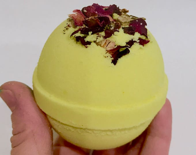 HONEYSUCKLE & ROSE, 6.25 oz, Dried Roses, Sweet Honeysuckle Aroma, Foamy Luscious Bath Bomb!