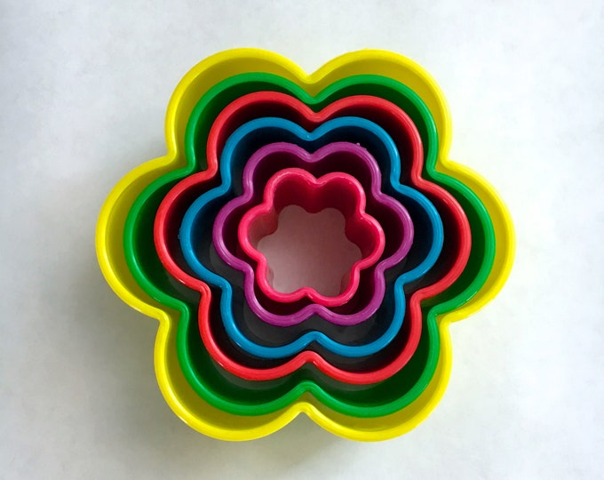 FLOWER POWER Mold/Cutter Set (6 pc)