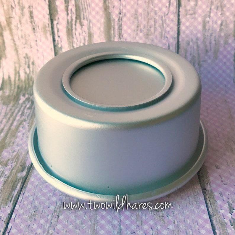 CONFETTI CAKE Bath Bomb & Baking Mold Metal 3 7/8 x 1 image 0