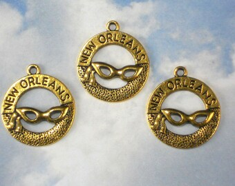 5 New Orleans Charms NOLA Antiqued Gold Tone Circle Pendants Mardi Gras (P1941)