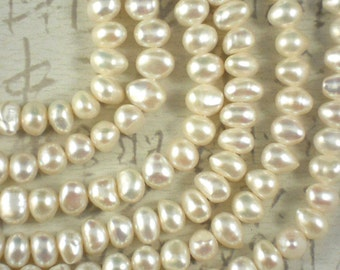 Creamy White Pearls 8mm - 9mm Side Drilled Rice Potato Freshwater (4172)