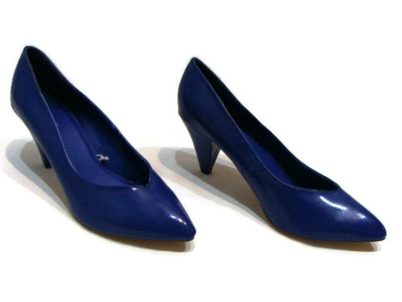 04151e5526cc3 Vintage Blue Patent Heels Vintage Low Heel Shoes Vintage Blue Heels Vintage  Womens Shoes Pointed Toe Heels Vintage Retro Heels Pumps Retro