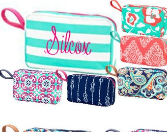 Personalized cosmetic case, makeup case, travel case, toiletry bag, personalized cosmetic bag, Teacher Gift, Gift for Mom