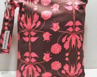Sale Ready to Ship 8X10 Wet Bag, waterproof bag,  bikini bag, cloth diaper bag, swimsuit bag, zippered wet bag