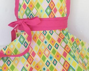 Sale Ready to ship size 2-6 Kids apron, child's apron, girls apron,  custom apron,  childrens apron, pink apron