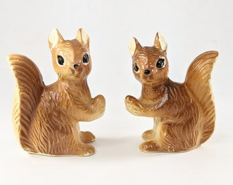 Squirrel Salt and Pepper Set, Woodland Creature Shakers, Cabin Home Decor
