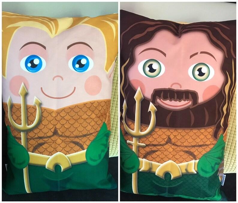 Aquaman Double Sided 'Hero Hugger' Decorative image 0